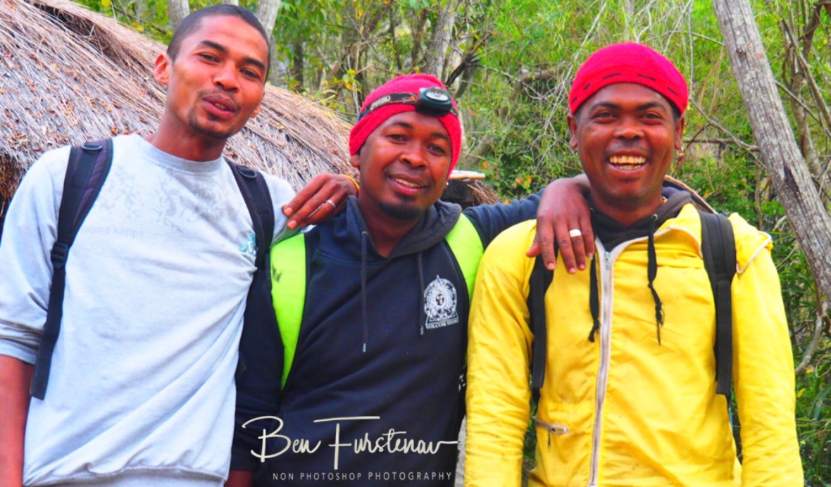 Tour guide Santer, Cook Francois, Porter Deba