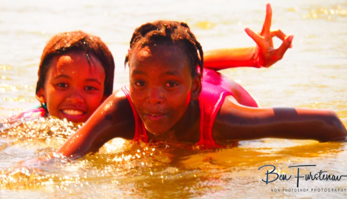Cooling water fun, Oranje River