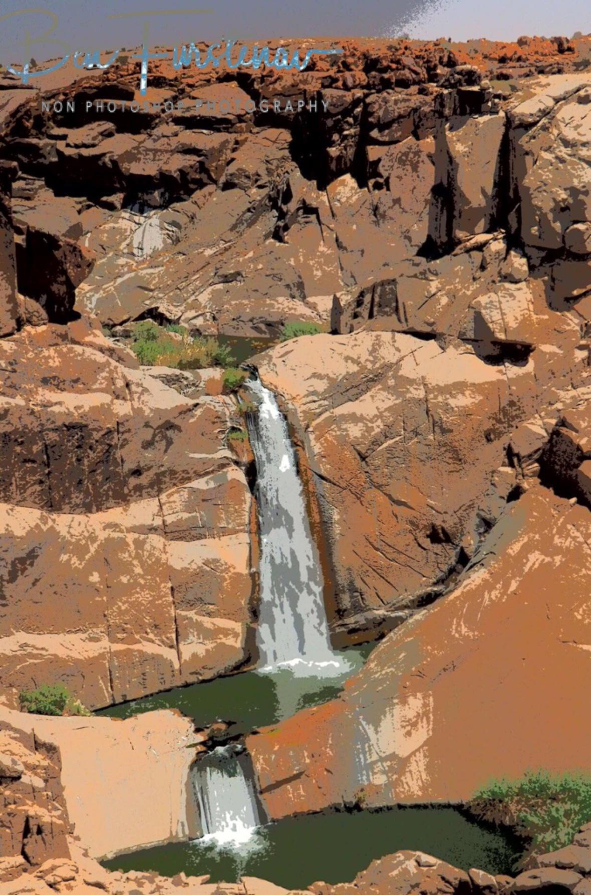 Painted desert, Augrabis Falls