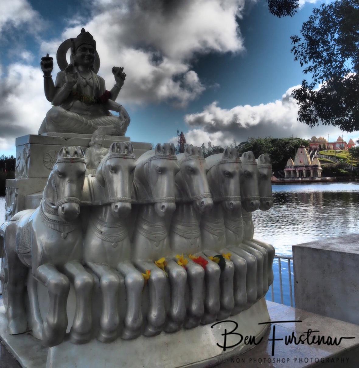 One of many Hindu statues, Grande Bassin