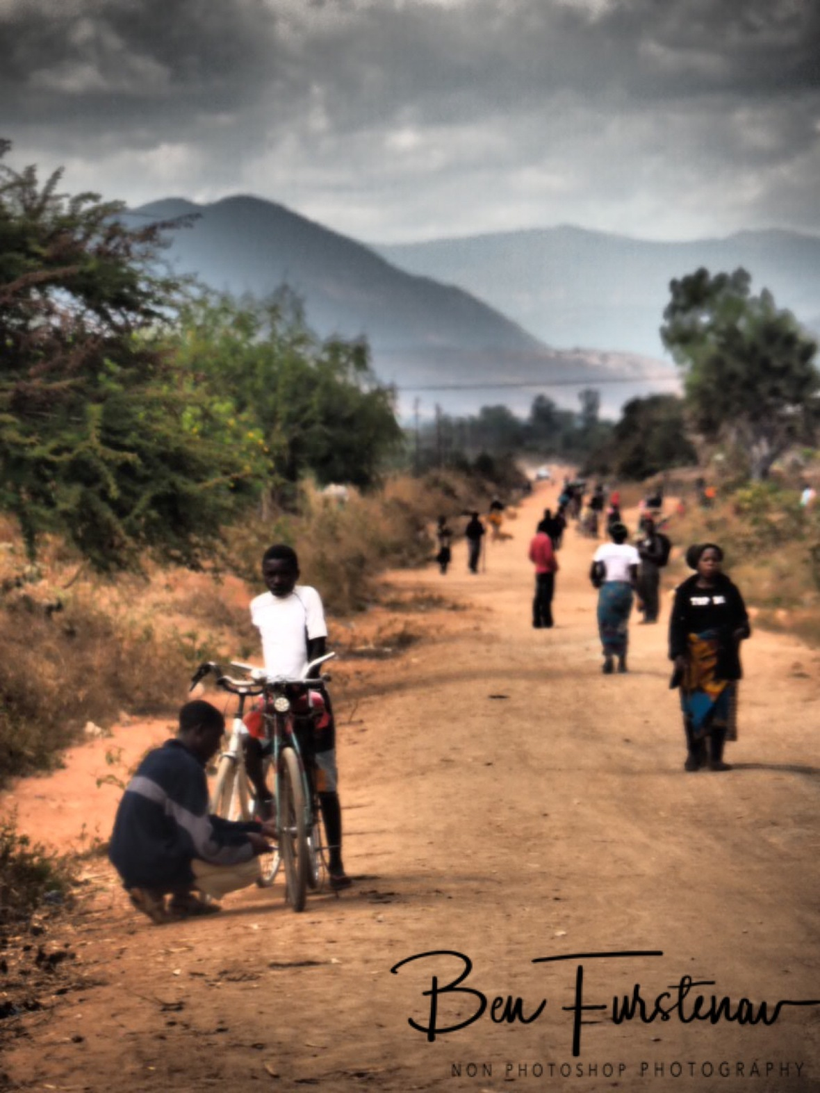 Quick fix on side off the road, Northern Region, Malawi