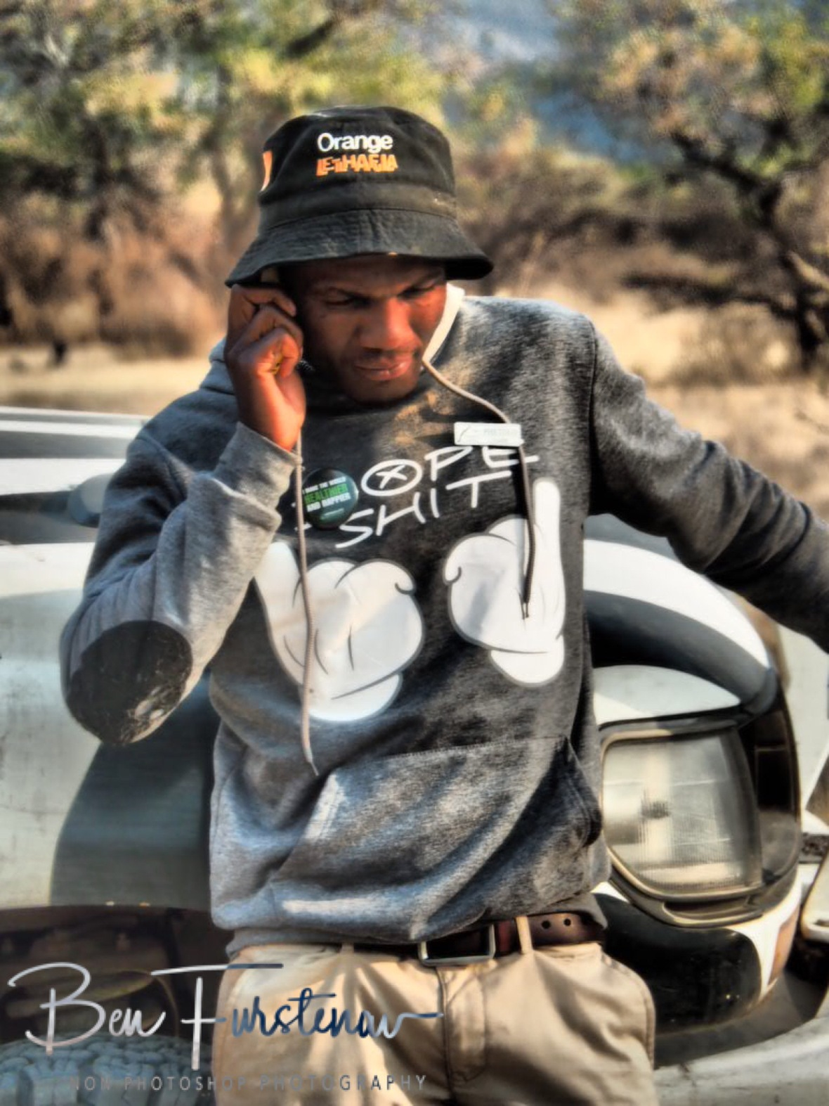 Poetolo making arrangements, Tsolido Hills, Botswana